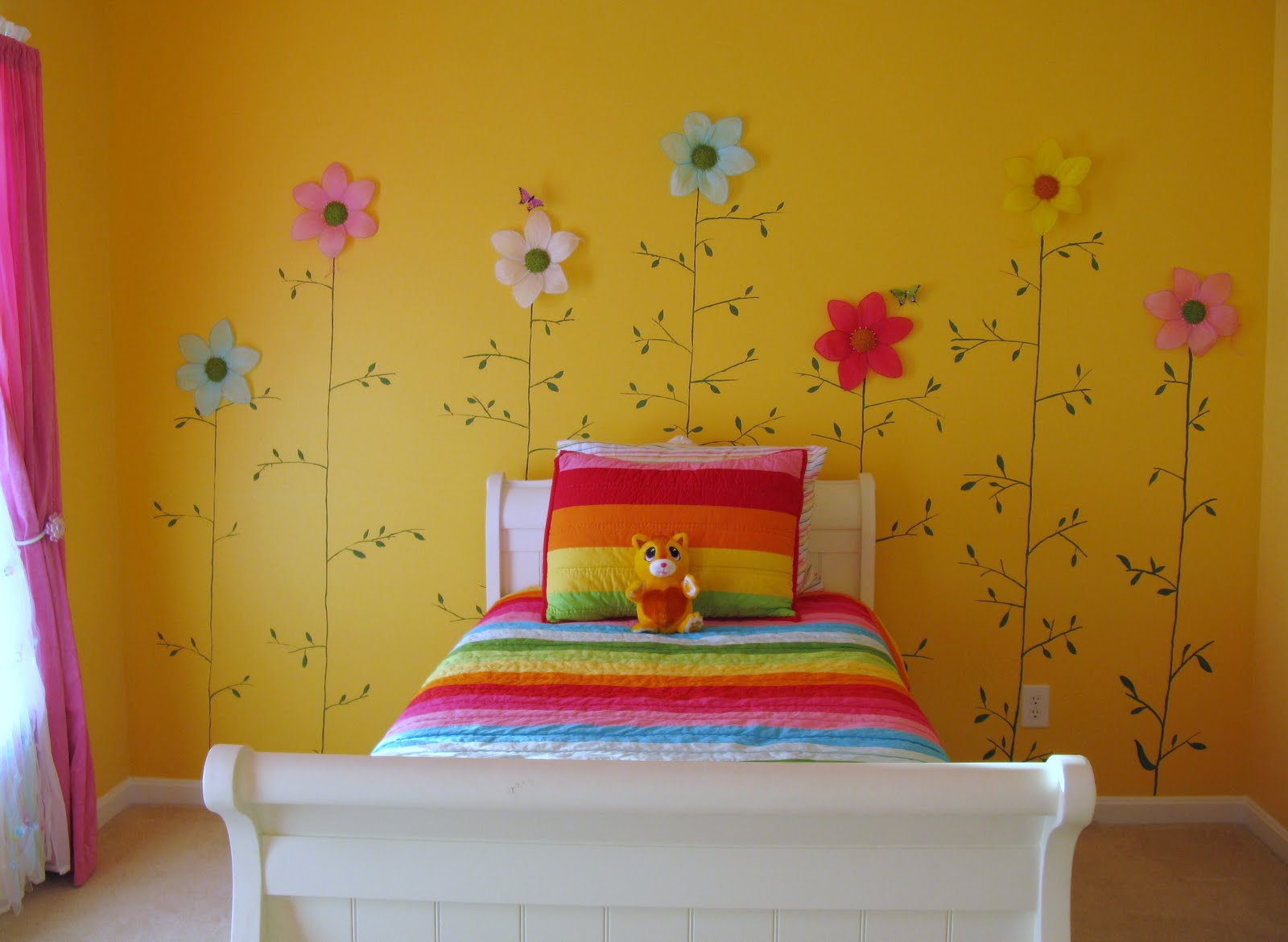 Decorating A Bedroom With A Flower Theme   4