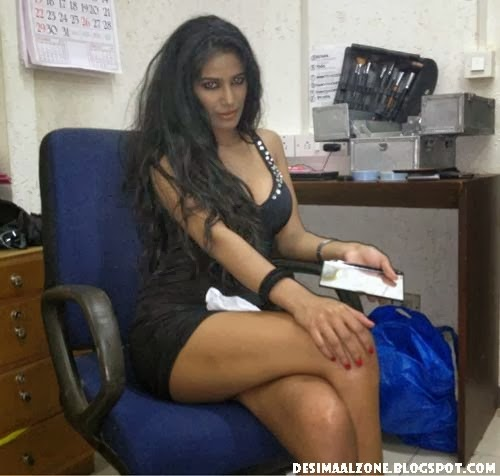 Poonam Pandey Top 15 Most Sexy Photos