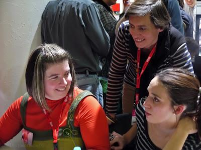 Virginie Rapiat et Anne Loyer avec Soufie, en dédicace au salon du livre et de la presse jeunesse de Montreuil (déc. 2012)
