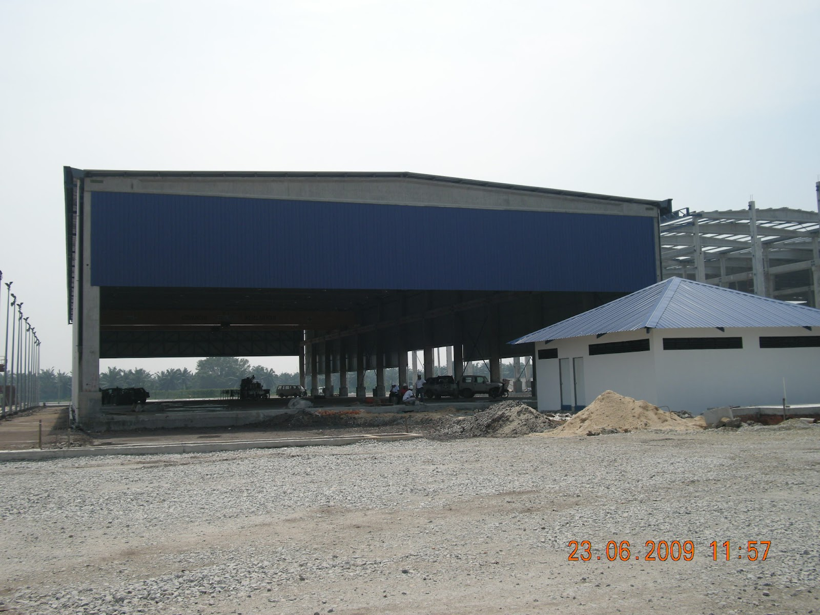 the industrialized building systems in malaysia construction essay The energy spent on construction constitutes a significant part of the total amount of energy consumed in the world apart from consuming substantial amounts of energy, the construction energy is also responsible for a huge amount of carbon dioxide emissions.