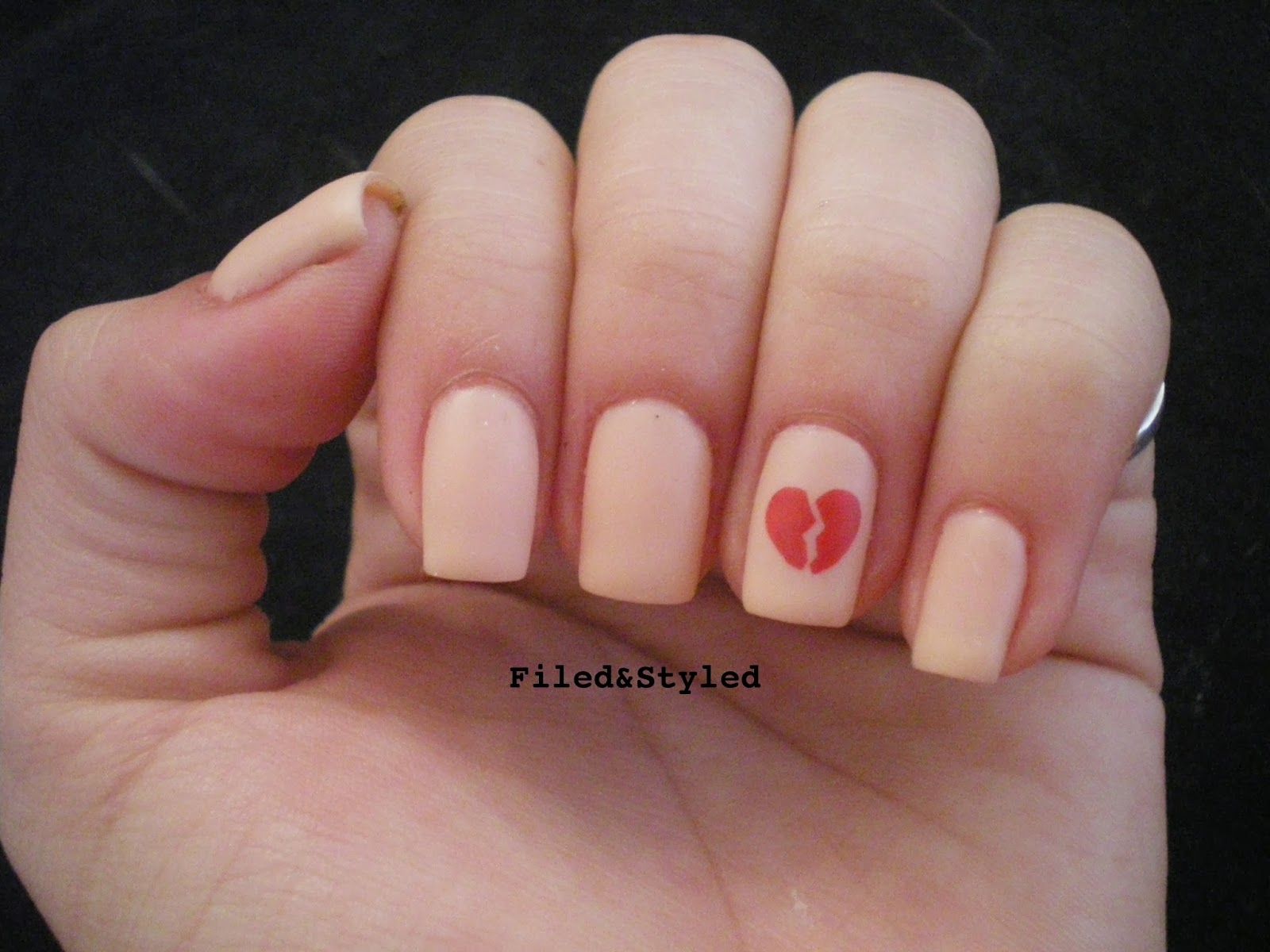31dc2013 Delicate Nails | Filed & Styled Filed & Styled: 31dc2013 ...