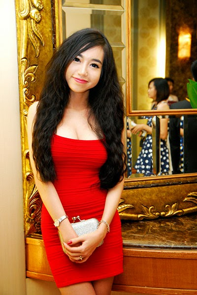 Elly Tran Ha - dress red