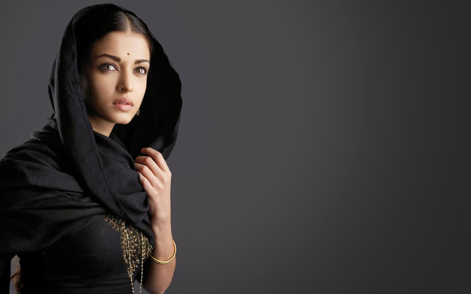 Indian beautiful girls wallpapers most beautiful places in the indian beautiful girls wallpapers voltagebd Images