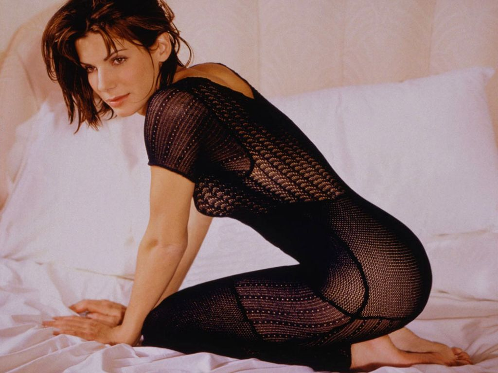sandra bullock sexy look - photo #32