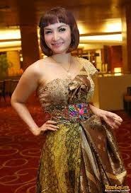 Model Baju Kebaya Roro Fitria Mewah Harga Mahal