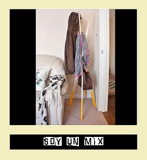 http://www.soyunmix.com/2014/11/perchero-de-pie-diy.html