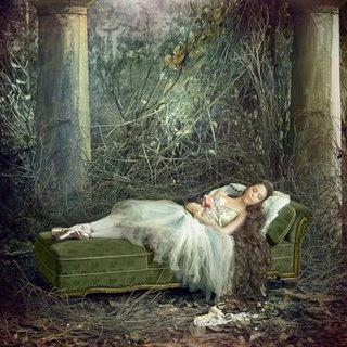 La Bella Durmiente es uno de esos cuentos populares que todos