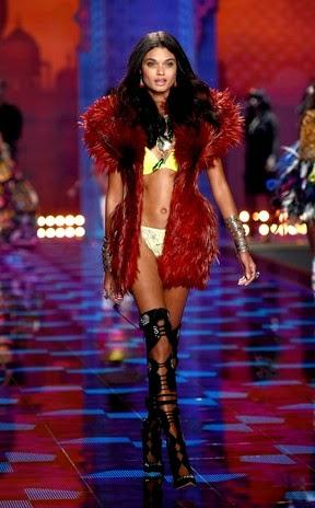 Qual modelo brasileira mais brilhou no desfile da Victoria's Secret?