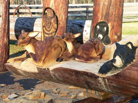 Escultura de madeira por Randall D.Bonni