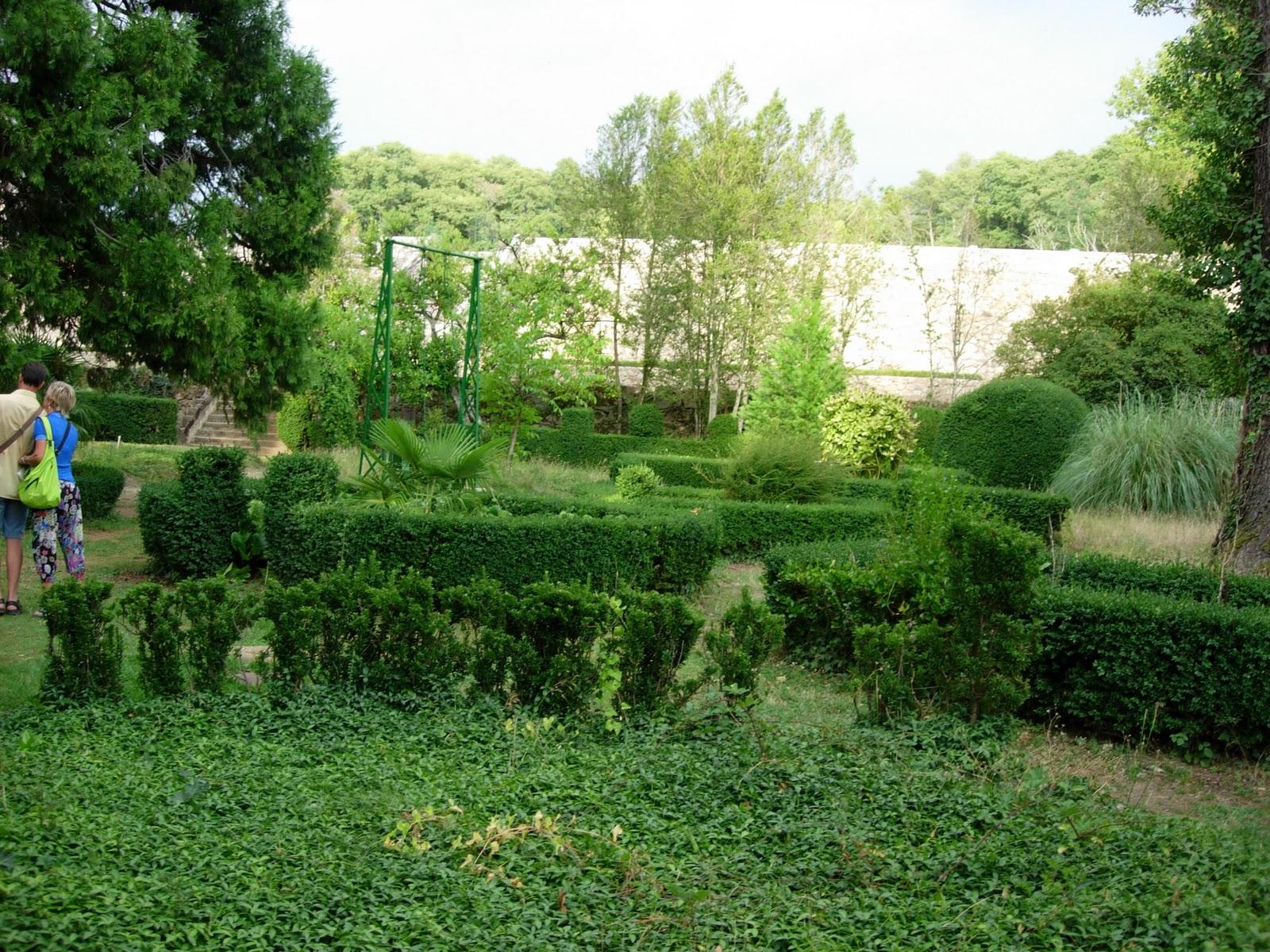 Dos pa ses un destino el bosque de b jar jard n for Jardin geometrico