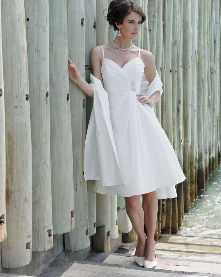 Прически под короткие свадебные платья