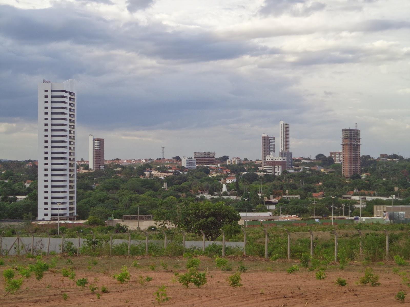 Edifícios mudam a paisagem da Lagoa Seca.