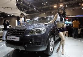 Ngakak | Beda Launching Pameran Mobil Sport & Truk