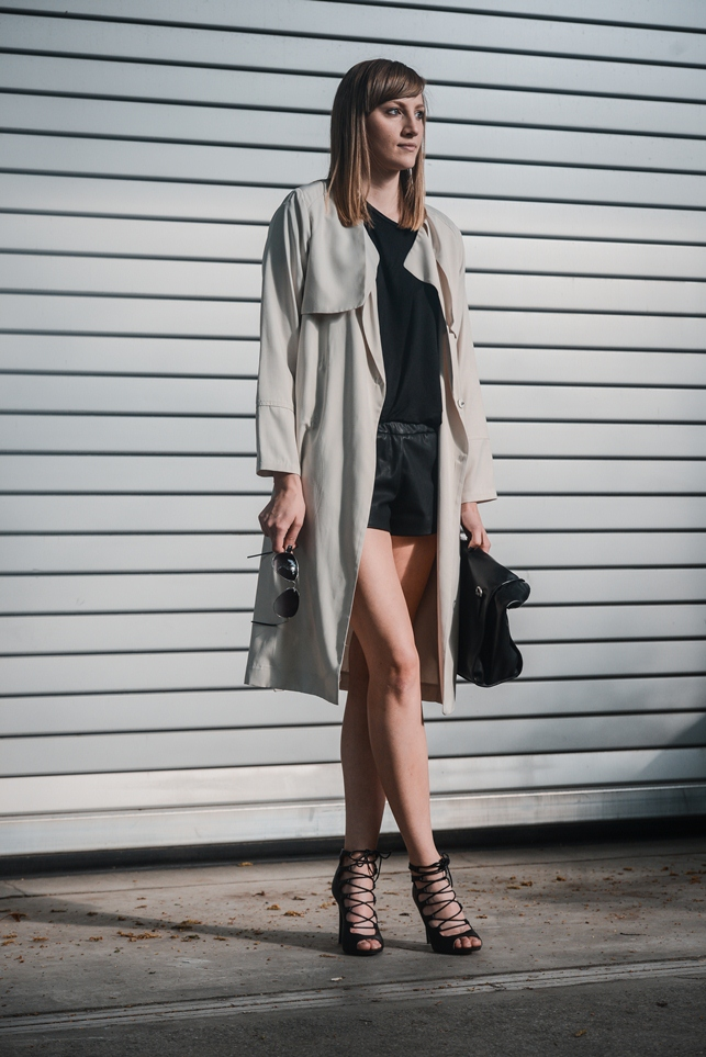 zara leather shorts, hm long beige trench coat, lace up heels, style blogger, fashion blog