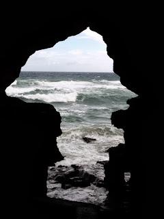 "Marocco: grotta ""Africa"" di Cape Spartel"