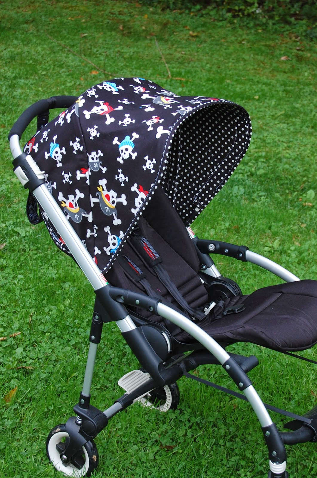 Pirates. Custom Canopy for a Bugaboo Bee ... : bugaboo bee custom canopy - memphite.com