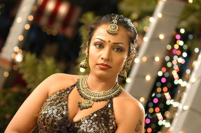 spicy mayuri(asha saini/flora) blouse t from from movie kanagavel kakka latest photos