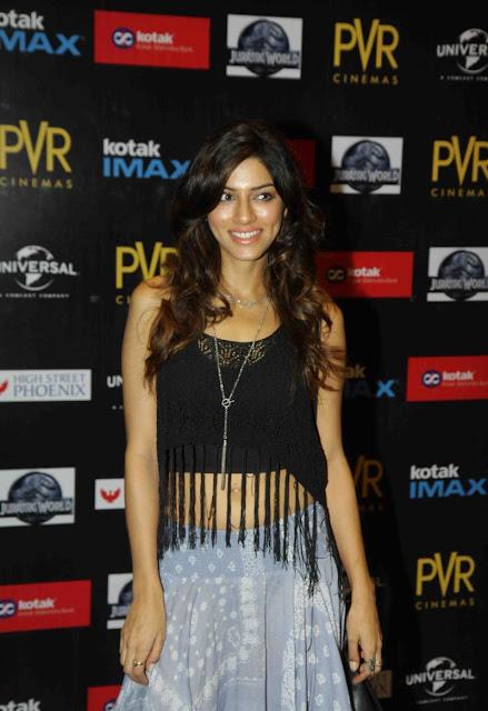 "Sapna Pabbi and Amyra Dastur Look Super Sexy At ""Jurassic World"" Premiere At PVR Cinema, Mumbai"