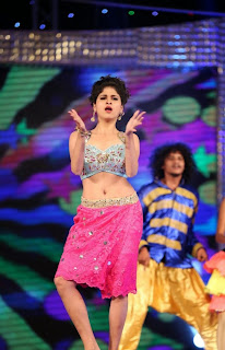 Actress Naveena Dance Performance at Gama Awards Pictures Stills Gallery 1