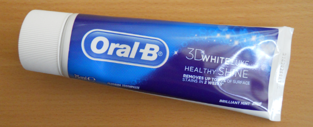 oral b 3d white luxe healthy shine toothpaste,