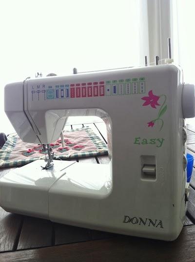 maquina de coser sencilla