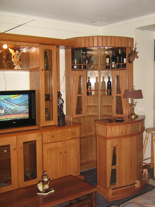 Muebles j m valdivia bar esquinero for Diseno de barras de bar en madera