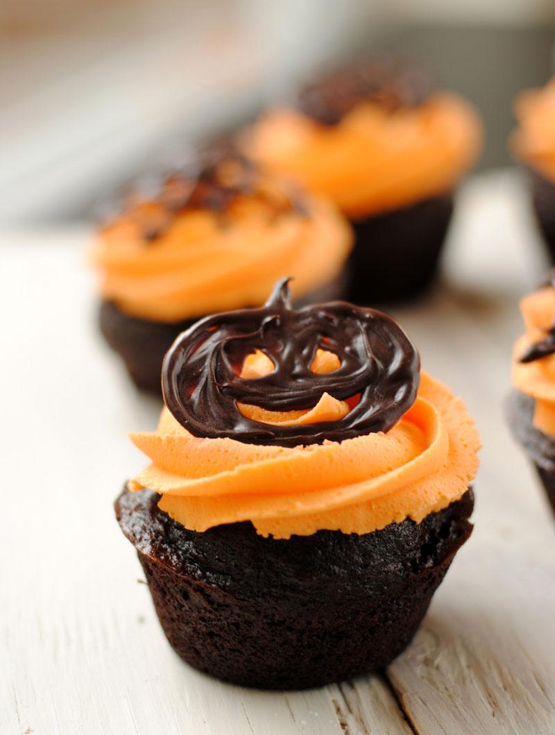Leanne bakes halloween cupcakes Halloween cupcakes