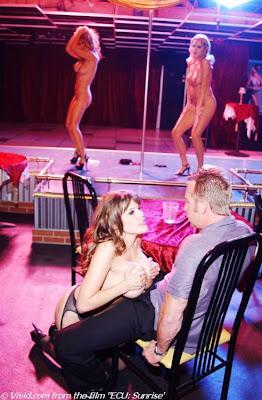 lap dance, dança burlesca, dança exótica, sexualidade, erotismo - Desejos e Fantasias de Casal