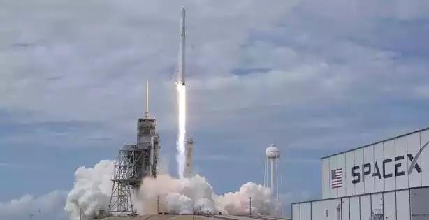 Ο Elon Musk προτείνει το BFR για ταξίδια γύρω από τη Γη | Οπουδήποτε στον πλανήτη σε λιγότερο από μία ώρα [video]