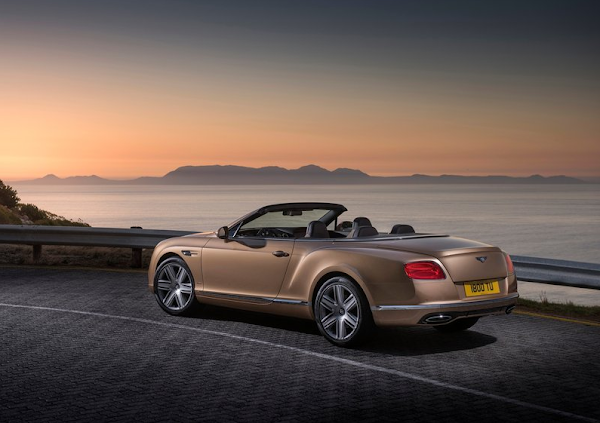 2016_Bentley_Continental_GT_1