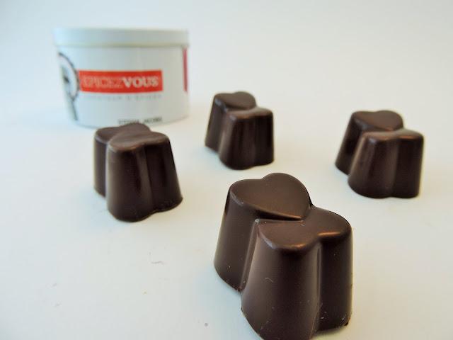 Recette de ganache avec le mélange Brise de Madagascar d'Epicez-vous!, la gammes d'épices de Stefan Jacobs