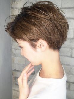 There are days I wish I had the guts to get a pixie cut.