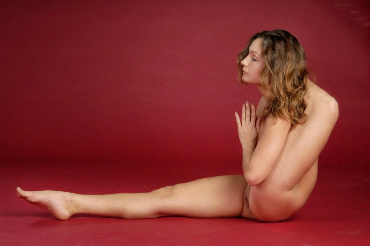 Тренировка голышом онлайн 10 фотография