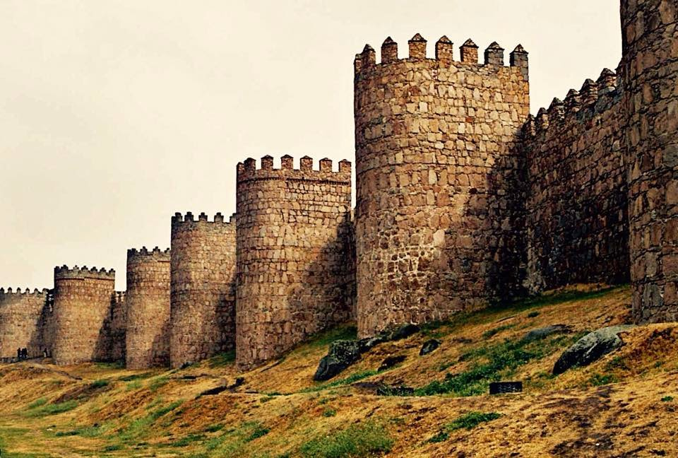 La muralla de Ávila (España) - www.historiadelascivilizaciones.com