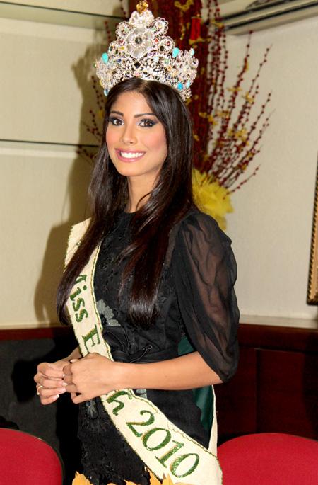 indian model,Nicole Faria,hot photoshoot