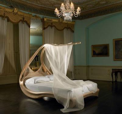 hermosa cama con dosel