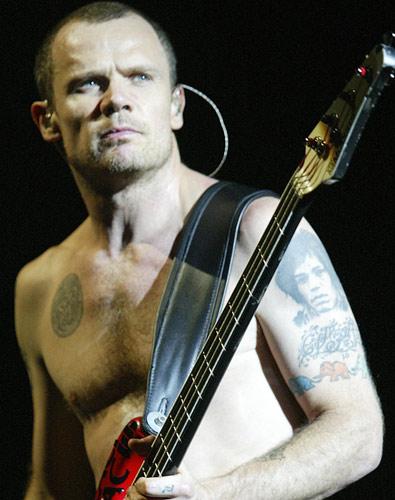 Flea Quase Deixou O Red Hot Chili Peppers  Noticias Do