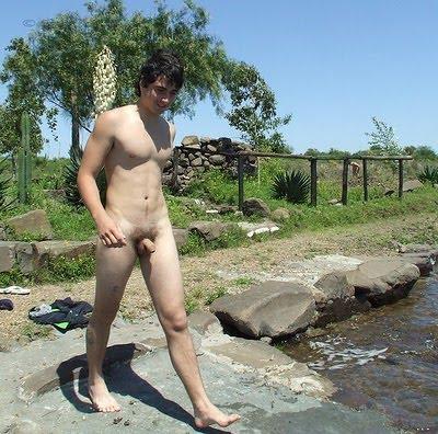 голые парни купаютса фото