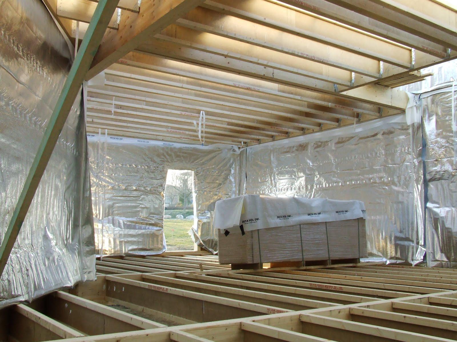 Notre maison en bois montage des murs j 3 for Montage maison en bois