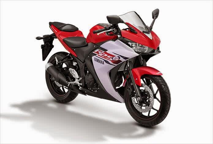 Yamaha R25 Motor Sport Racing dan Kencang Merah