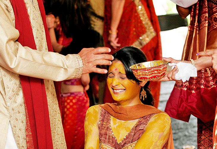 hindu wedding ceremony essay Arranged marriages account for an overwhelming majority of marriages in india let's have a look at its history & evolution, customs, process, significance and some interesting facts in this essay.