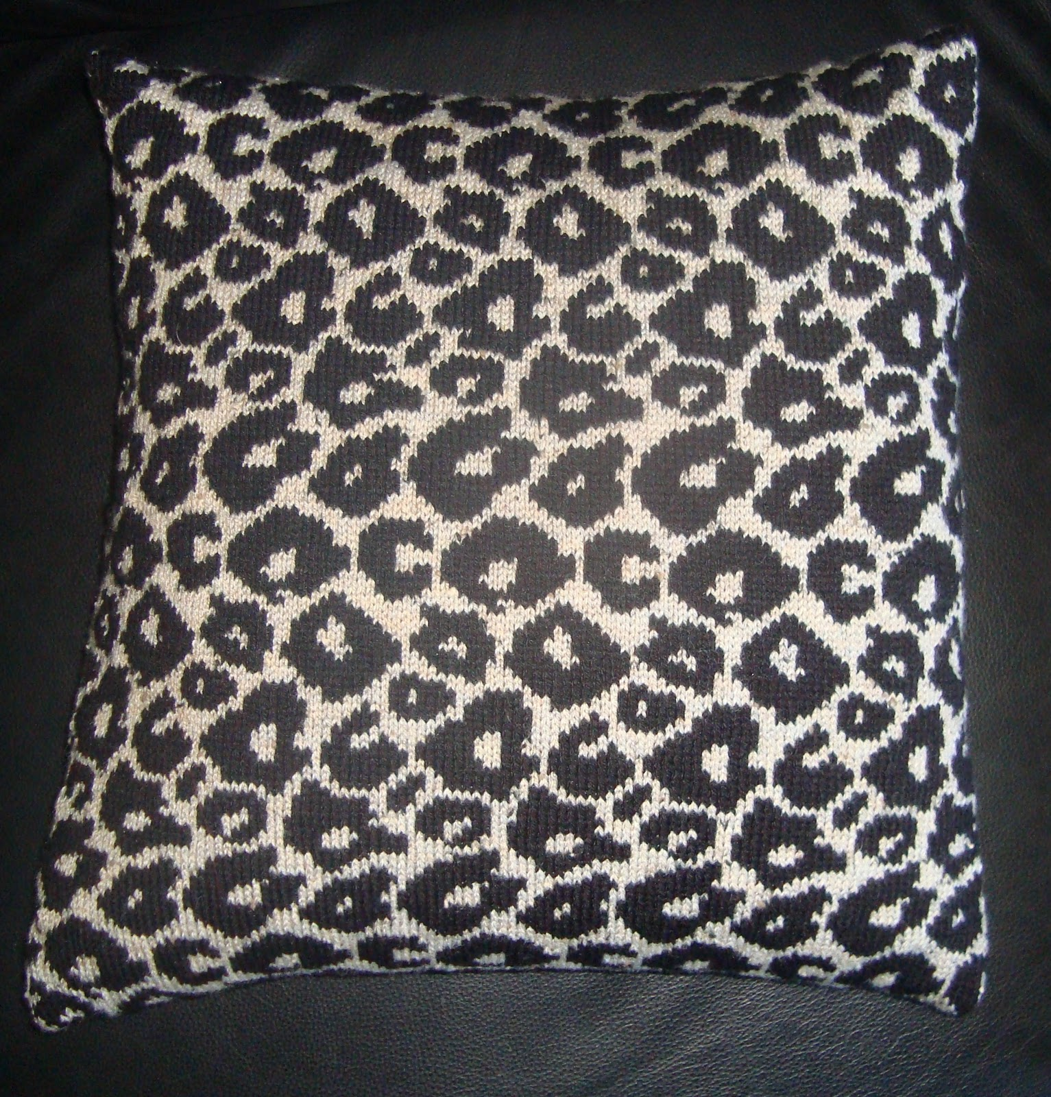 Leopard Cushion Cover Knitting Pattern