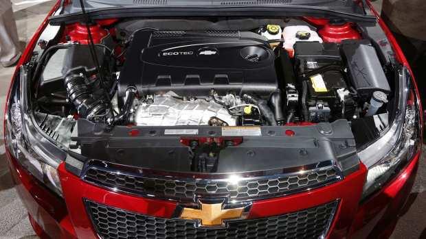Chevrolet Cruze terbaru 2016_red_Engine