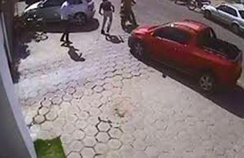 Bandidos foram fazer um assalto e acabam se dando mal