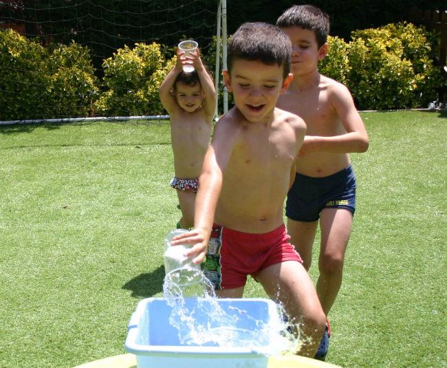 actividades y juegos para nios aire libre agua