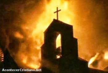 Iglesia paga tributo