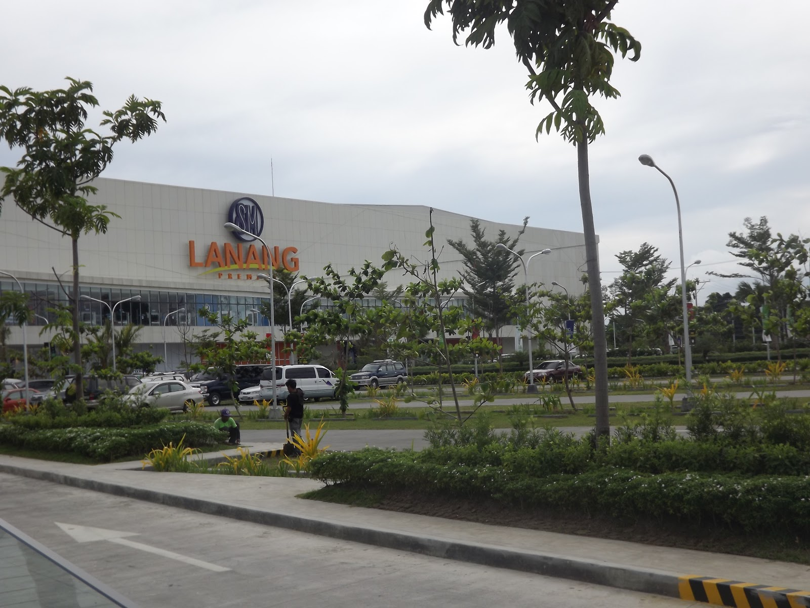 Crib for sale in davao city -  Been Opened To The Public Last October 24 2012 It Is Located In Lanang Almost In Front Of Damosa Gateway This Shopping Mall Is Not Just A Crib For
