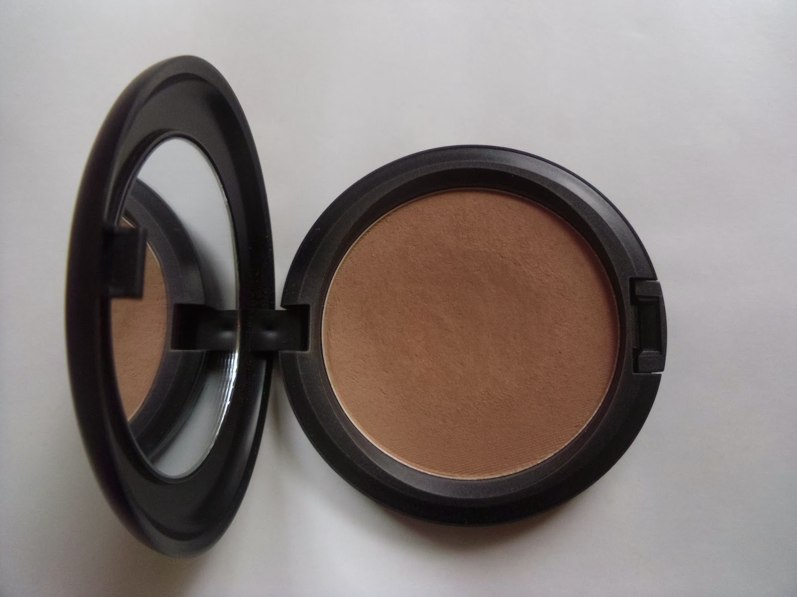 MAC Blot Powder Review Dark