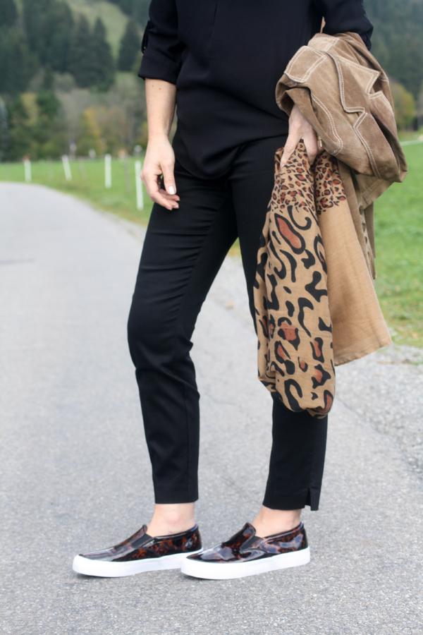 Zara Leopard Head Blouse 31