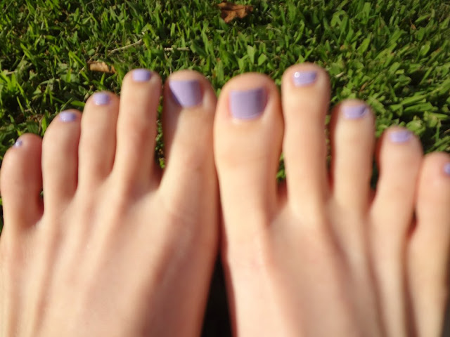 Sally Hansen Lacy Lilac nail polish on toenails
